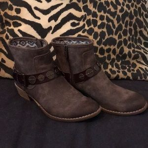 Roxy brown ankle boots with buckle, size 7.5